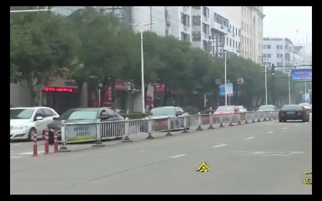 非机动车违法行为影响安全 交警部门加强城区交通常态化管理