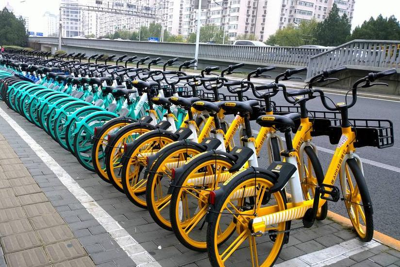 """""""貴過公交時代""""來臨   共享單車還能騎多久"""
