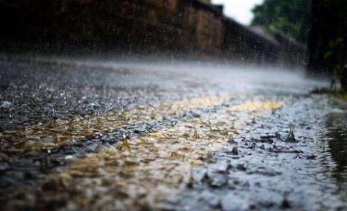 强降水在路上,出行请注意安全