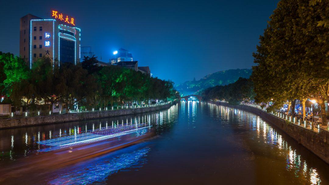 这个时间段,城区全部景观亮化将熄灯一小时