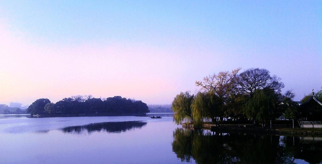 嘉兴南湖.jpg