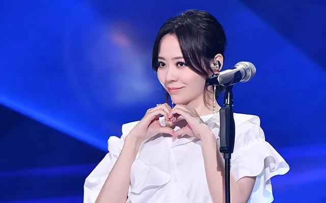 张靓颖改编的网红歌曲《东西》,竟是杭州大二学生写的