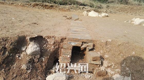 绍兴柯桥区平水镇发现一座古墓,