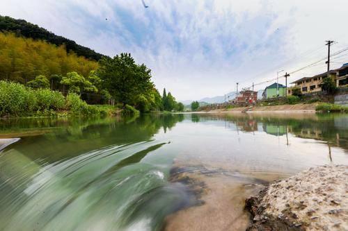 """剿灭劣Ⅴ类水工作的不断推进,戴村镇对于这条风景秀丽的""""母亲溪""""更加"""