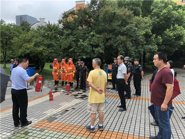 银河社区举行消防安全演练