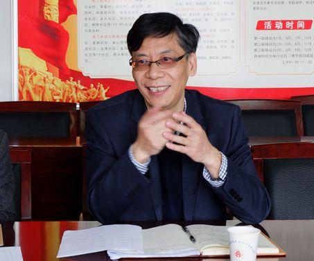 区人大城建环保工委主任陈伟方?#19981;?JPG