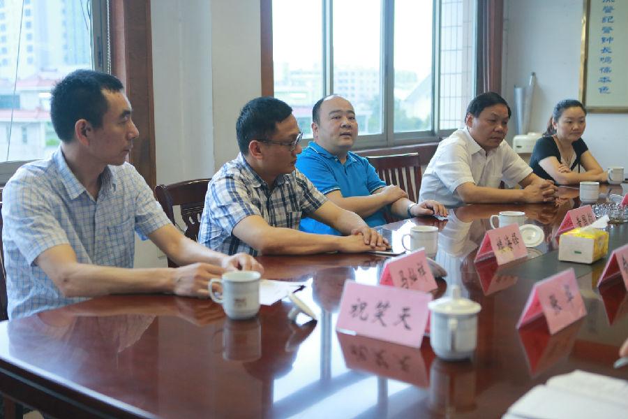 临浦镇开展高温慰问活动